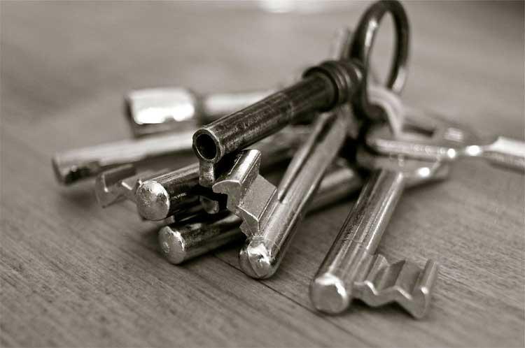 Ремонт и замена замков в металлической двери – мастер или частный ремонт